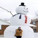 بزرگترین آدم برفی در کشور پهناور کانادا ساخته شد!+عکس