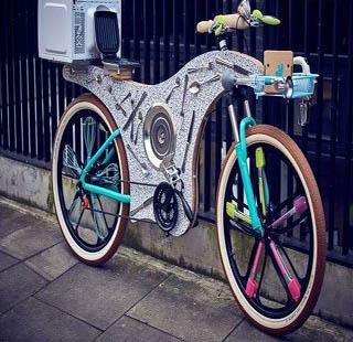 دوچرخه ای که با وسایل آشپزخانه ساخته شده است!+تصاویر