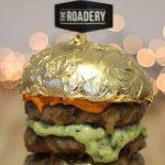 جشنواره غذا در دبی و ساندویچ همبرگر با روکش طلای 24 عیار!+تصاویر