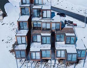 ساخت یک هتل متفاوت شبیه به مثلث در کشور گرجستان!+تصاویر