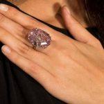 الماس ستاره صورتی گران ترین سنگ قیمتی جهان!+تصاویر