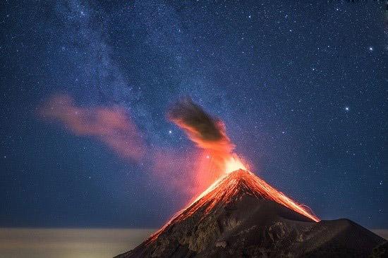 فوران آتشفشان فوئگو