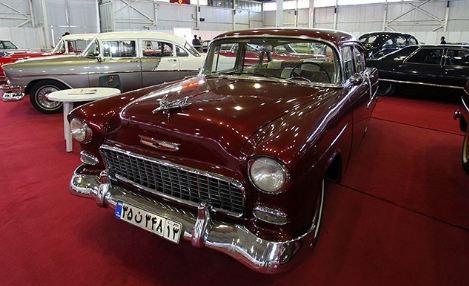 نمایشگاه خودروهای کلاسیک در شهر اصفهان!+تصاویر