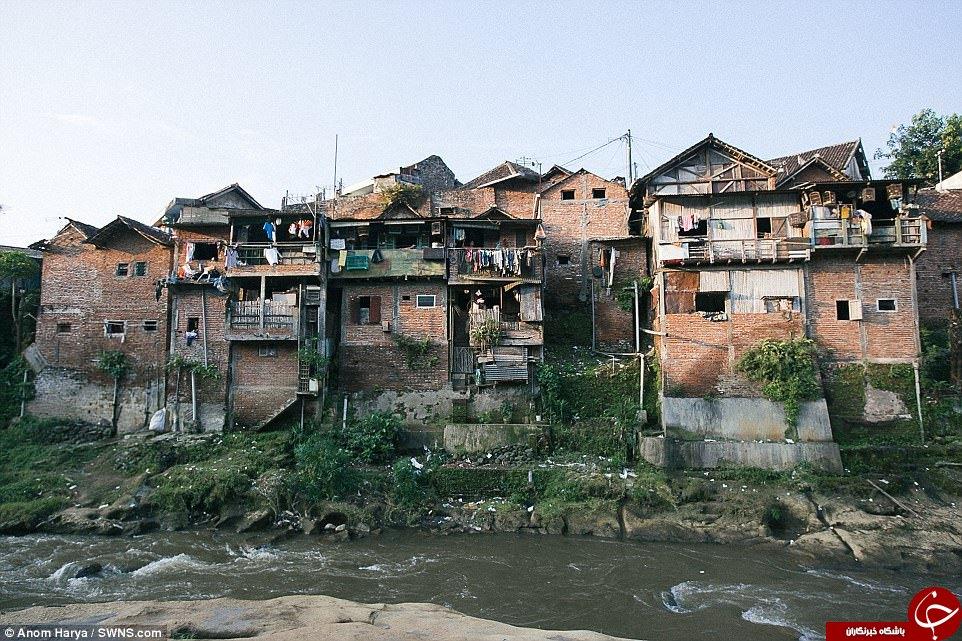رنگ آمیزی یک دهکده نامرتب