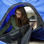اختراع یک چادر قابل حمل برای بی خانمانها توسط دختران دبیرستانی!