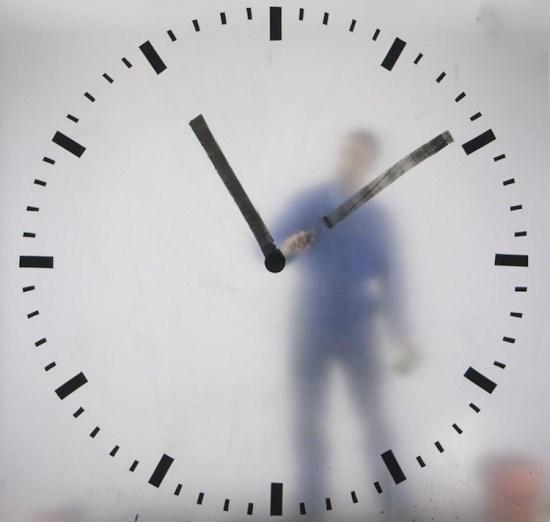طراحی جالب ساعت در فرودگاه آمستردام پایتخت هلند!