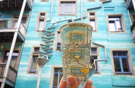 نقاشی برروی لیوان کاغذی