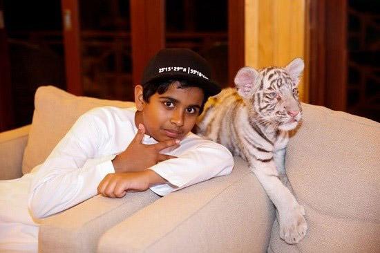 راشد بلهاسا پسر ۱۵ ساله پولدار اهل دوبی!