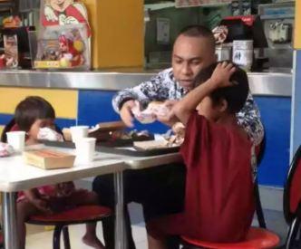 عمل انسان دوستانه مشتری یک رستوران و تحسین کاربران اینترنت!