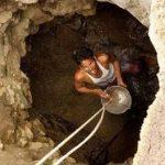 مرد هندی ۴۰ روز برای دستیابی به آب تلاش کرد!