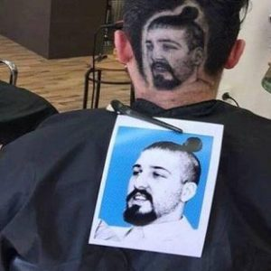 تراشیدن عکس افراد معروف روی سر مشتریان توسط آرایشگر صربستانی!