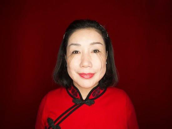 مژه های بلند زن چینی