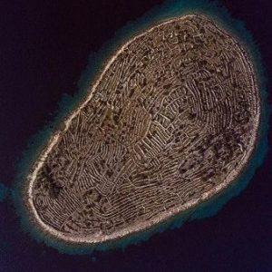 جزیره ای کوچک در دریای آدریاتیک که شبیه اثر انگشت است!