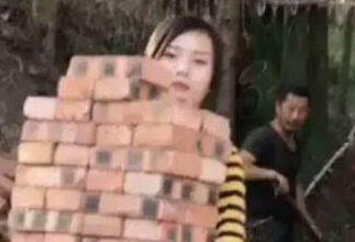 تلاش تحسین برانگیز دختر کارگر برای امرار معاش!