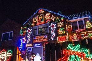 تصاویری از جشنواره آذین بندی خانه ها در جشن کریسمس در انگلستان!