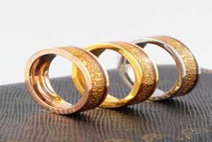 ازدواج مرد پنجاه ساله همزمان به سه زن!