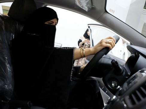 نمایشگاه خودرو برای زنان عربستان