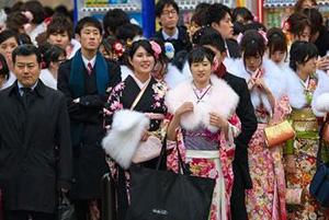 جشنی در ژاپن که برای دختران بیست ساله برگزار می شود!