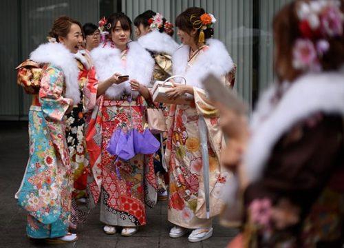 جشن دختران 20 ساله در ژاپن