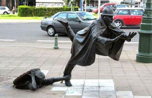 مجسمه های عجیب