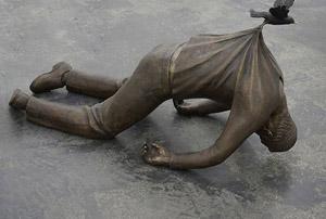 مجسمه هایی عجیب که شما را شگفت زده خواهند کرد!(۱)