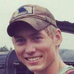 پسر ۲۰ ساله که توانست از دست کوسه در جزیره مائویی در هاوایی فرار کند!