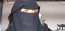 زن یمنی که در میان آتش جنگ انگشتر عقیق می سازد!