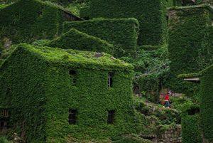 سفر به یک روستای متروکه در کشور پهناور چین!