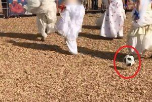 مسابقه فوتبال با لباس عروس در شهر کازان روسیه!