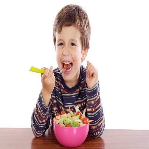 راهکاری ساده برای تشویق کودک به خوردن غذا
