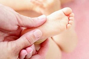 بیماری های دست و پا و دهان کودکان