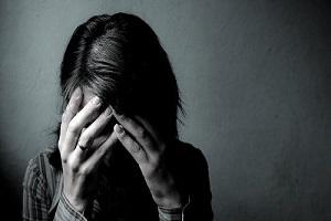 چرا آمار خودکشی زنان ایرانی بالا رفته است؟