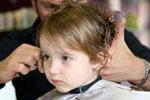 چگونه فرزندمان را روی صندلی آرایشگاه میخکوب کنیم؟