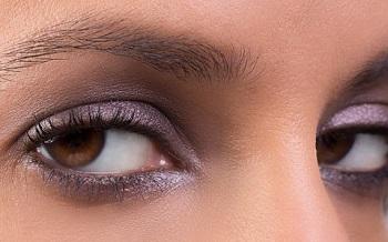سایهی مناسب رنگ چشمتان را پیدا کنید! +عکس