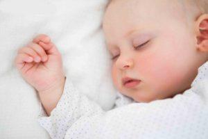 زمان مناسب برای خوابیدن نوزاد