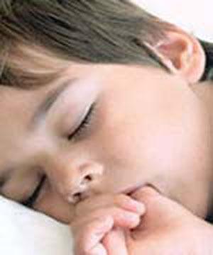علت مکیدن انگشت در نوزادان