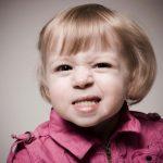 دندان قروچه کردن کودکان چه علتی دارد؟