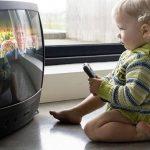 تاخیر رشد ذهنی کودکان با تلویزیون