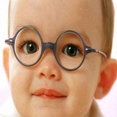 انحراف چشم در کودکان چه دلایلی دارد؟