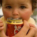 عوارض مصرف کافئین برای کودکان چیست؟