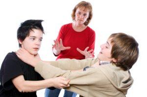 مشاجره فرزندان را منصفانه قضاوت کنید