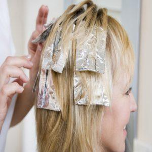 عوارض رنگ شدن موی خانم های باردار