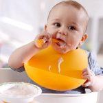 با این خوراکیها نوزادتان را به مصرف شیر مادر علاقهمند کنید