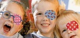 این بیماری چشم در کمین کودکان است