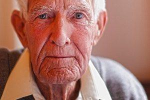 نشـانـه اختـلال فکـری در مردان مسن چیست؟
