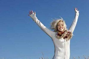 ۲۰ خصوصیت بارز زنان شاد