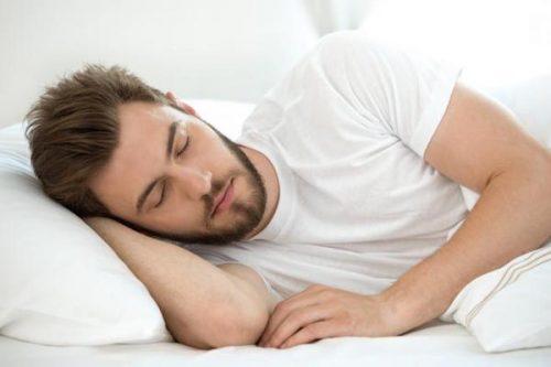 خوابیدن مردان