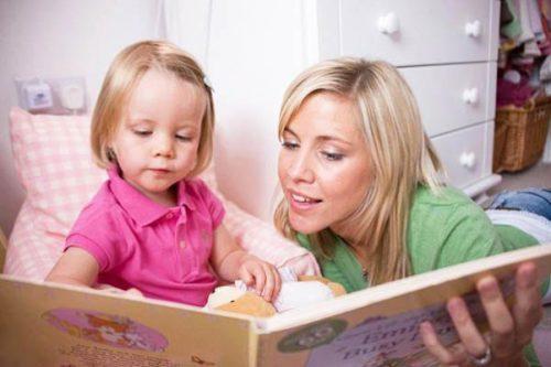 داستان خواندن برای کودکان