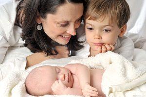 بررسی بهترین فاصله سنی مناسب برای کودکان