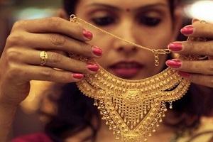 عشق به طلا برای زنان به چه دلیل است؟